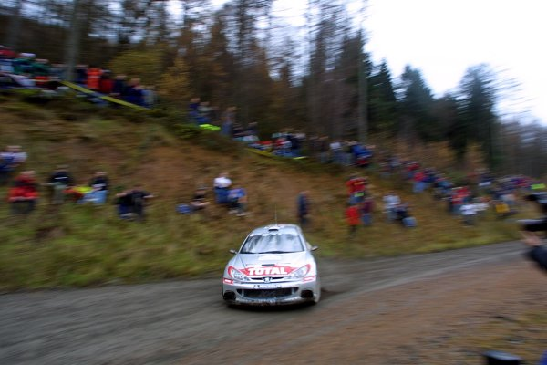 2001 FIA World Rally Championship.Rally Of Great Britain. Cardiff, Wales. November 22-25th.Harri Rovanpera, Peugeot 206 WRCStage Nine.Photo: Paul Dowker/LAT Photographic.World - LAT Photographic.