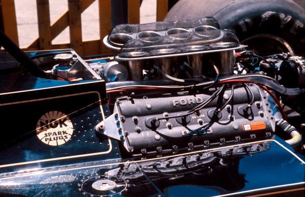 1977 Argentinian Grand Prix.Buenos AIres, Argentina.7-9 January 1977.The Ford Cosworth DFV V8 engine on the back of a Lotus 78.Ref-77 ARG 22.World Copyright - LAT Photographic