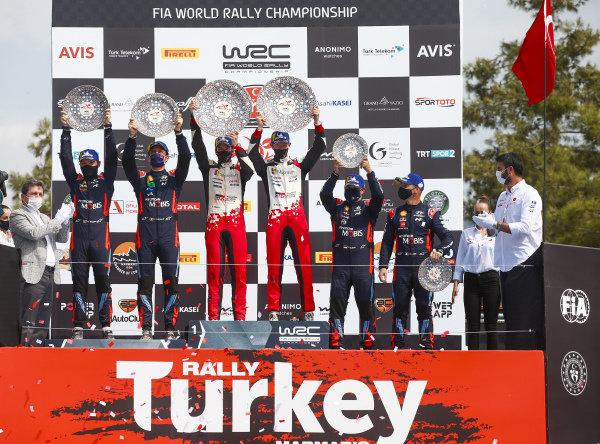 Elfyn Evans (GB) and Scott Martin (GB), Toyota Gazoo Racing WRT, Toyota Yaris WRC 2020, Thierry Neuville (BEL) and Nicolas Gilsoul (BEL), Sébastien Loeb (FRA) and Daniel Elena (MC), Hyundai World Rally Team, Hyundai i20 Coupe WRC 2020