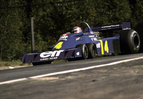 Patrick Depailler (FRA) Tyrrell P34 finished in second position.Canadian Grand Prix, Rd14, Mosport Park, Canada, 3 October 1976.BEST IMAGE