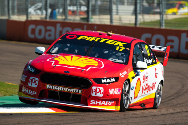 2017 Supercars Championship Round 7.  Townsville 400, Reid Park, Townsville, Queensland, Australia. Friday 7th July to Sunday 9th July 2017. Scott McLaughlin drives the #17 Shell V-Power Racing Team Ford Falcon FGX. World Copyright: Daniel Kalisz/ LAT Images Ref: Digital Image 070717_VASCR7_DKIMG_414.jpg