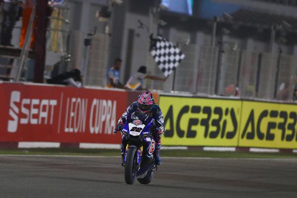 2017 Superbike World Championship - Round 13  Losail, Qatar.  Saturday 4 November 2017 Checkered flag for Alex Lowes, Pata Yamaha  World Copyright: Gold and Goose Photography/LAT Images ref: Digital Image 704246