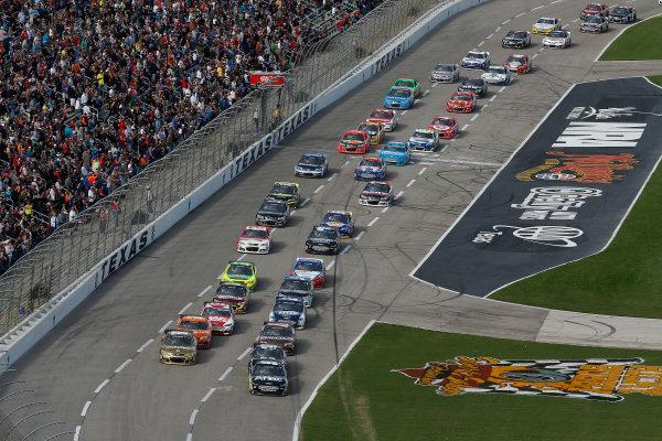 1-3 November, 2013, Fort Worth, Texas, USA Carl Edwards leads the first lap © 2013, Michael L. Levitt LAT Photo USA