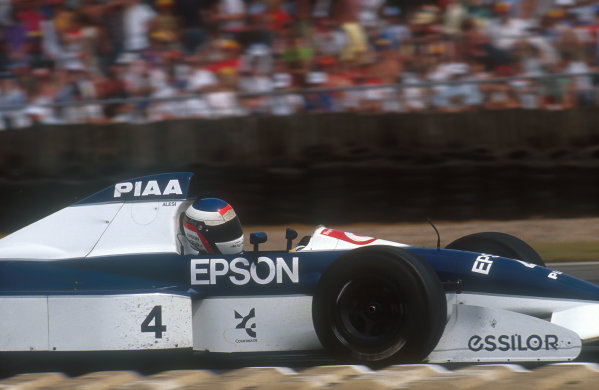 1990 British Grand Prix.Silverstone, England.13-15 July 1990.Jean Alesi (Tyrrell 019 Ford) 8th positionRef-90 GB 29.World Copyright - LAT Photographic
