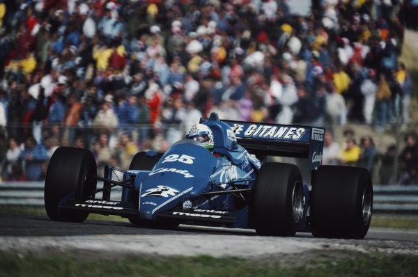 Andrea de Cesaris, Ligier JS25 Renault.