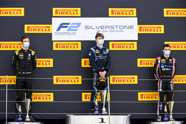 Christian Lundgaard (DNK, ART GRAND PRIX), race winner Dan Ticktum (GBR, DAMS) and Louis Deletraz (CHE, CHAROUZ RACING SYSTEM) on the podium