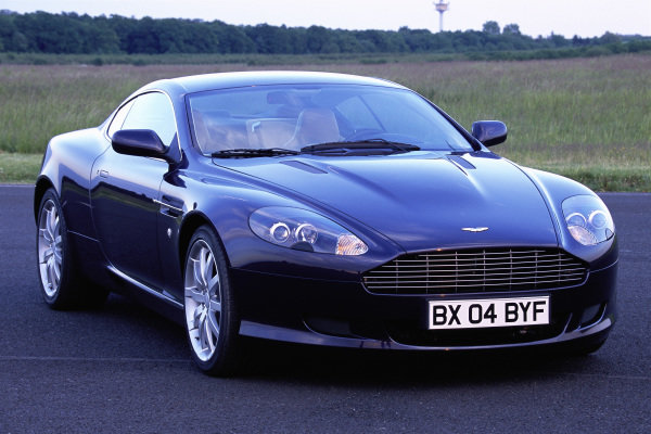 Aston Martin DB9, 2004. Mainz-Finthen, Germany.