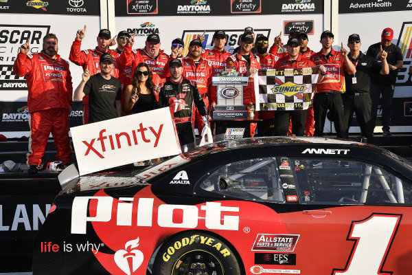 #1: Michael Annett, JR Motorsports, Chevrolet Camaro Chevrolet Pilot Flying J / American Heart Association wins