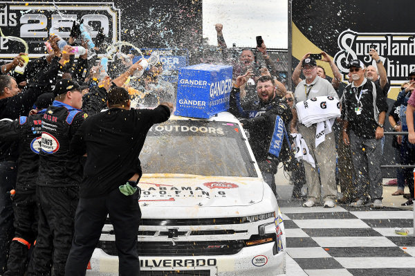 #20: Spencer Boyd, Young's Motorsports, Chevrolet Silverado Alabama Roofing Professionals