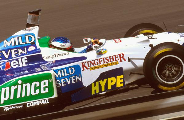 Hungaroring, Budapest, Hungary.9-11 August 1996.Jean Alesi (Benetton B196 Renault) 3rd position.Ref-96 HUN 14.World Copyright - LAT Photographic