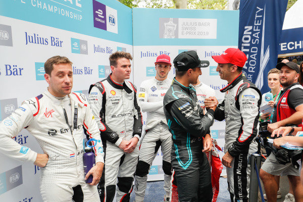 Robin Frijns (NLD), Envision Virgin Racing, Oliver Rowland (GBR), Nissan e.Dams, Daniel Abt (DEU), Audi Sport ABT Schaeffler, in the media pen as Sébastien Buemi (CHE), Nissan e.Dams, congratulates Mitch Evans (NZL), Panasonic Jaguar Racing on his lap