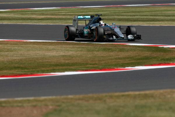 Silverstone Circuit, Northamptonshire, England. Friday 3 July 2015. Lewis Hamilton, Mercedes F1 W06 Hybrid. World Copyright: Andrew Ferraro/LAT Photographic ref: Digital Image _FER0578