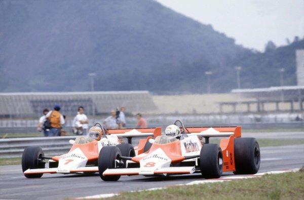 1981 Brazilian Grand Prix.Jacarepagua, Rio de Janeiro, Brazil. 27-29 March 1981.Andrea de Cesaris and John Watson (both McLaren M29F-Ford Cosworth).World Copyright: LAT PhotographicRef: 35mm transparency 81BRA16