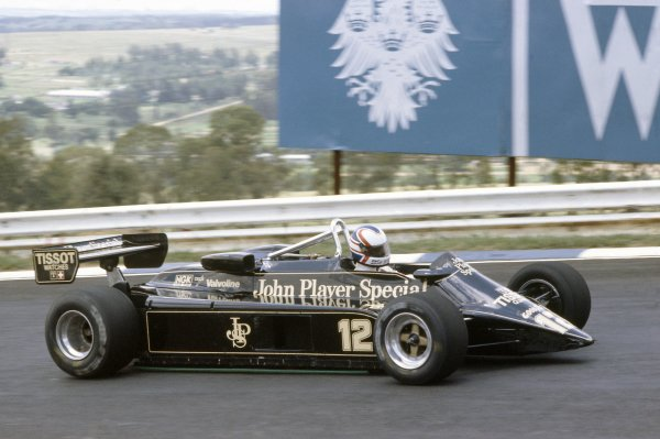 1982 South African Grand Prix.Kyalami, South Africa. 21-23 January 1982.Nigel Mansell (Lotus 87B-Ford Cosworth), retired.World Copyright: LAT PhotographicRef: 35mm transparency 82SA24
