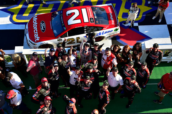Monster Energy NASCAR Cup Series AXALTA presents the Pocono 400 Pocono Raceway, Long Pond, PA USA Sunday 11 June 2017 Ryan Blaney, Wood Brothers Racing, Motorcraft/Quick Lane Tire & Auto Center Ford Fusion wins. World Copyright: Rusty Jarrett LAT Images ref: Digital Image 17POC1rj_3699