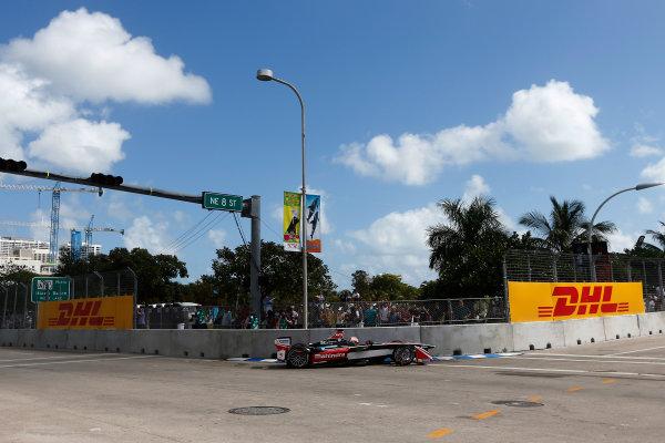 2014/2015 FIA Formula E Championship. Miami ePrix, Miami, Florida, United States of America. Saturday 14 March 2015 Karun Chandhok (IND)/Mahindra Racing - Spark-Renault SRT_01E  Photo: Zak Mauger/LAT/Formula E ref: Digital Image _L0U3997