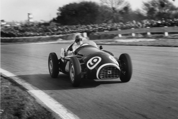 Goodwood, England. 2nd April 1956.Reg Parnell (Connaught B4), 5th position, action.World Copyright: LAT Photographic.Ref: 390/20