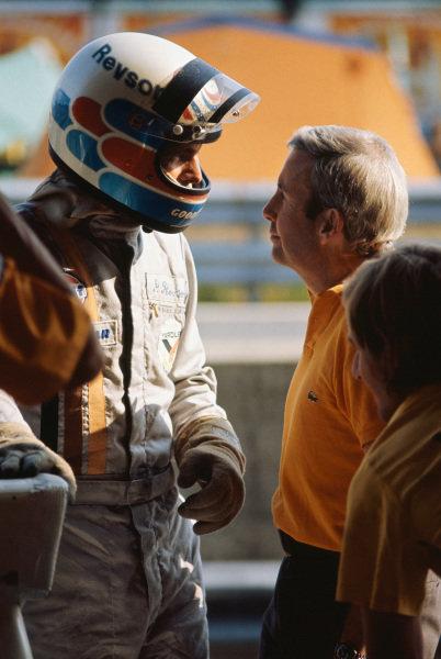 1973 Austrian Grand Prix.  Osterreichring, Austria. 17-19th August 1973.  Peter Revson and Teddy Mayer, McLaren.  Ref: 73AUT64. World Copyright: LAT Photographic