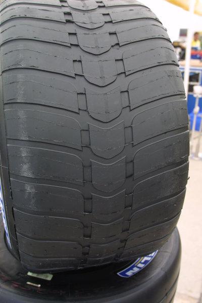 2001 Malaysian Grand Prix.Sepang, Kuala Lumpur, Malaysia. 16-18 March 2001.Michelin's Intermediate tyre.World Copyright - LAT Photographicref: 8 9MB DIGITAL IMAGE