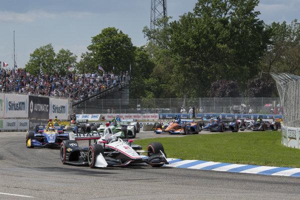 Josef Newgarden, Team Penske Chevrolet, leads start of race