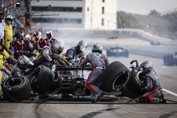#20: Ed Carpenter, Ed Carpenter Racing Chevrolet, pit stop