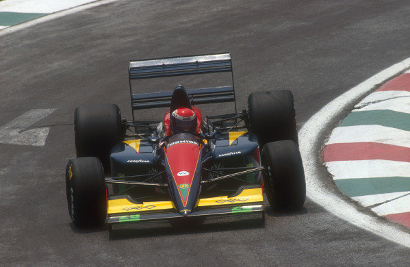 1991 Mexican Grand Prix.Mexico City, Mexico.14-16 June 1991.Eric Bernard (Lola L91 Ford) 6th position.Ref-91 MEX 16.World Copyright - LAT Photographic