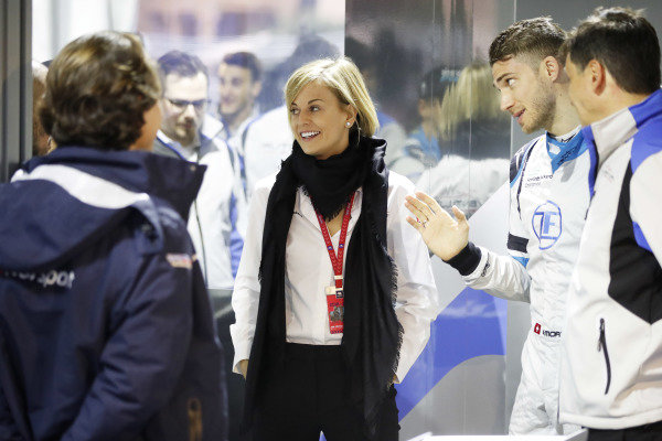 Susie Wolff, Team Principal, Venturi Formula E, and Edoardo Mortara (CHE) Venturi Formula E, in the garage