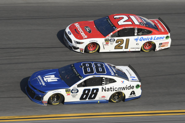 #88: Alex Bowman, Hendrick Motorsports, Chevrolet Camaro Nationwide, #21: Paul Menard, Wood Brothers Racing, Ford Mustang Motorcraft / Quick Lane Tire & Auto Center