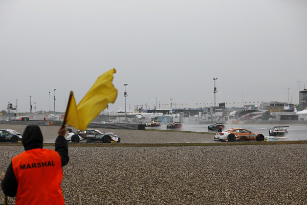 Start behind the Safety car.