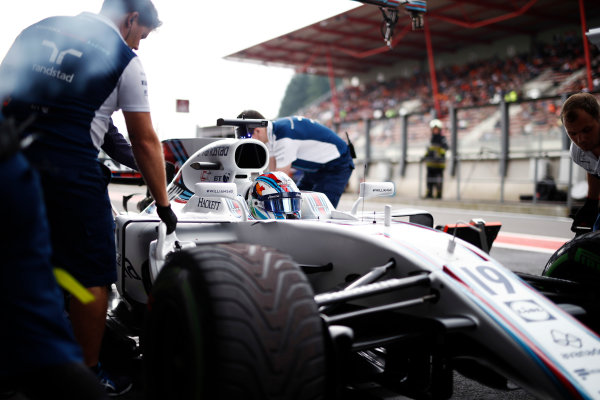 Spa Francorchamps, Belgium.  Saturday 26 August 2017. Felipe Massa, Williams Martini Racing, stops in his pit area. World Copyright: Glenn Dunbar/LAT Images  ref: Digital Image _31I5752
