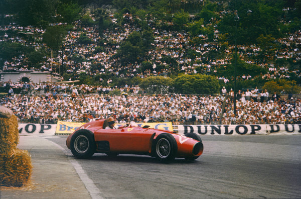 Monte Carlo, Monaco. 10-13 May 1956. Peter Collins (Lancia-Ferrari D50) 2nd position, shared with Juan Manuel Fangio. Ref: 56MON03. World Copyright - LAT Photographic