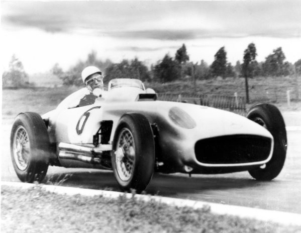 Buenos Aires, Argentina.14-16 January 1955.Stirling Moss (Mercedes-Benz W196).Published-Autocar 21/1/1955 p93.World Coipyright - LAT Photographic