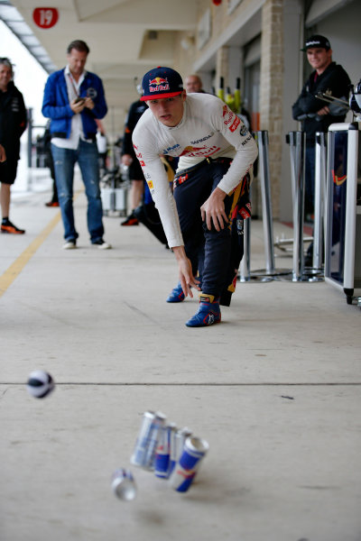 Circuit of the Americas, Austin, Texas, United States of America. Saturday 24 October 2015. Max Verstappen, Toro Rosso, plays skittles in the pit lane. World Copyright: Glenn Dunbar/LAT Photographic. ref: Digital Image _89P4862