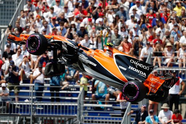 Monte Carlo, Monaco. Saturday 27 May 2017. The McLaren MCL32 Honda of Stoffel Vandoorne is removed after his crash. World Copyright: Glenn Dunbar/LAT Images ref: Digital Image _31I9488