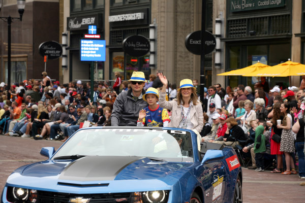 26  May, 2013, Indianapolis, Indiana,  USA Townsend Bell and family sport their yellow fedoras.(c)2013, Maria W. Grady LAT Photo USA