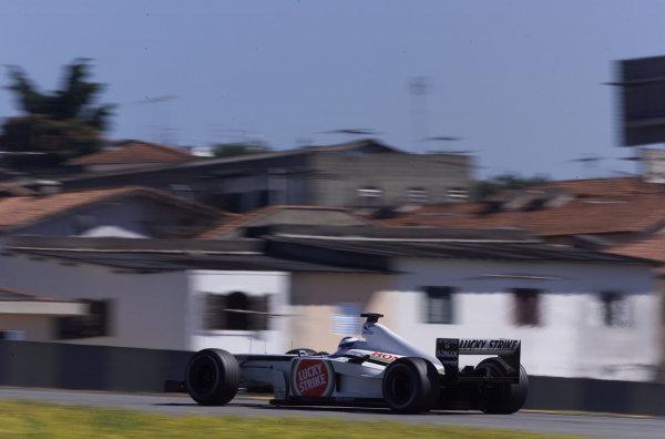 2002 Brazilian Grand Prix - RaceInterlagos, Brazil. 31 March 2002Olivier Panis (B.A R. 004 Honda). World Copyright: Pic Steve Etherington/LAT PhotographicRef: xxmb Digital Image Only