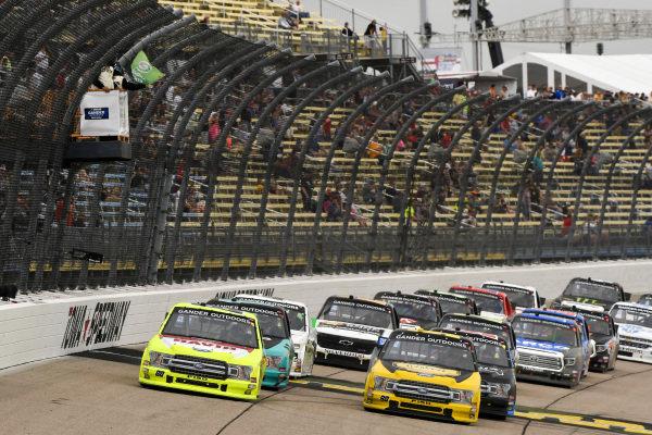 #88: Matt Crafton, ThorSport Racing, Ford F-150 Menards/Conagra, #98: Grant Enfinger, ThorSport Racing, Ford F-150