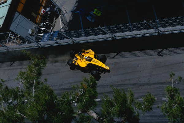 2002 Monaco Grand Prix.Monte Carlo, Monaco. 23-26 May 2002.Takuma Sato (Jordan EJ12 Honda) comes sliding down to the Nouvelle Chicane in his wrecked car, after crashing earlier in the tunnel.Ref-02 MON 05.World Copyright - LAT Photographic