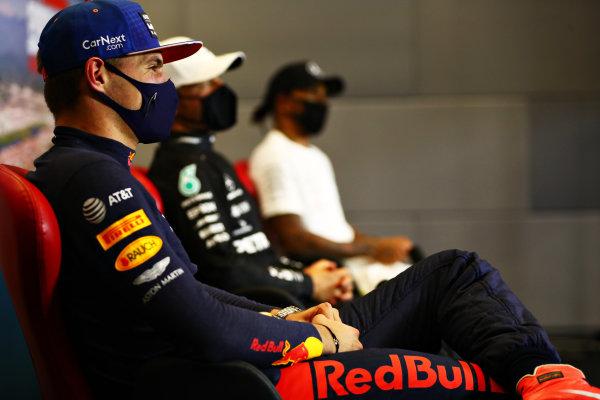 Max Verstappen, Red Bull Racing, Valtteri Bottas, Mercedes-AMG Petronas F1 and Lewis Hamilton, Mercedes-AMG Petronas F1 in the press conference