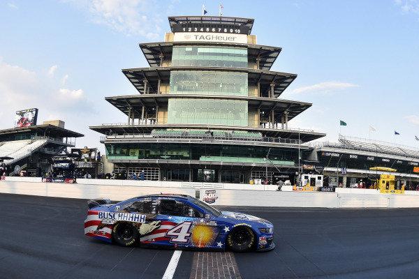 #4: Kevin Harvick, Stewart-Haas Racing, Ford Mustang Busch Light Patriotic