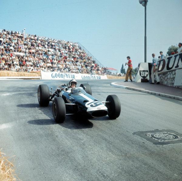 Monte Carlo, Monaco. 19-22 May 1966.Bob Bondurant (BRM P261) 4th position.Ref-3/2098.World Copyright - LAT Photographic