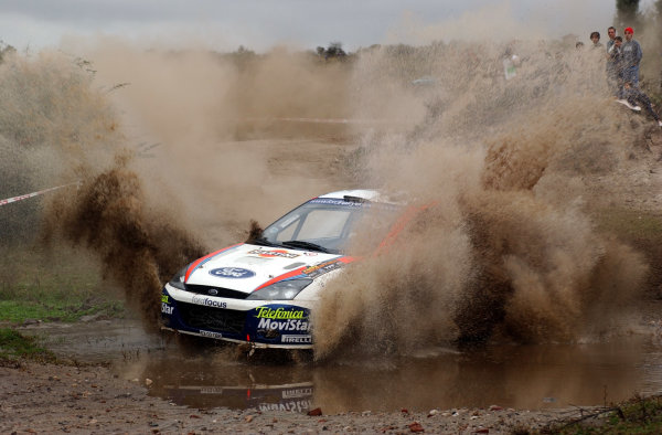 World Rally Championship, Rally of Argentina, May 16-19, 2002.Colin McRae splashes through water on stage 7.Photo: Ralph Hardwick/LAT