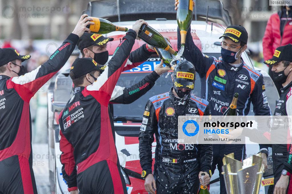 Sébastien Ogier (FRA), Julien Ingrassia (FRA), Elfyn Evans (GB), Scott Martin (GB), Toyota Gazoo Racing WRT, Toyota Yaris WRC 2021, Thierry Neuville (BEL), Martijn Wydaeghe (BEL),Hyundai World Rally Team, Hyundai i20 Coupe WRC 2021