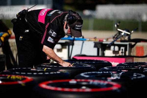 Jack Harvey, Meyer Shank Racing with Arrow SPM Honda, crew member