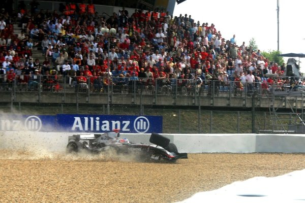 Kimi Raikkonen (FIN) McLaren Mercedes MP4/20 spins out of the race when the front suspension breaks on the last lap.  Formula One World Championship, Rd 7, European Grand Prix, Race, Nurburgring, Germany,  29 May 2005. DIGITAL IMAGE BEST IMAGE