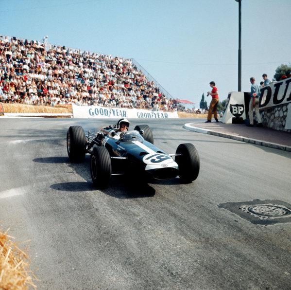 Monte Carlo, Monaco. 19-22 May 1966.Bob Bondurant (BRM P261) 4th position. Ref-3/2098.World Copyright - LAT Photographic