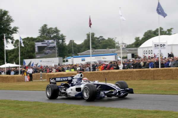 2006 Goodwood Festival of Speed.Goodwood Estate, West Sussex. 7th - 9th July 2006.Jackie Stewart in a Williams FW28 F1.World Copyright: Gary Hawkins/LAT Photographic.ref: Digital Image Only.