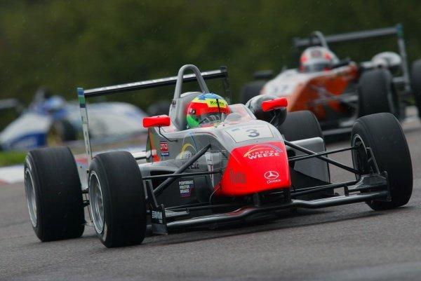 Yelmer Buurman (NED) Fortec Motorsport British Formula Three, Thruxton, England.23rd September 2006DIGITAL IMAGE