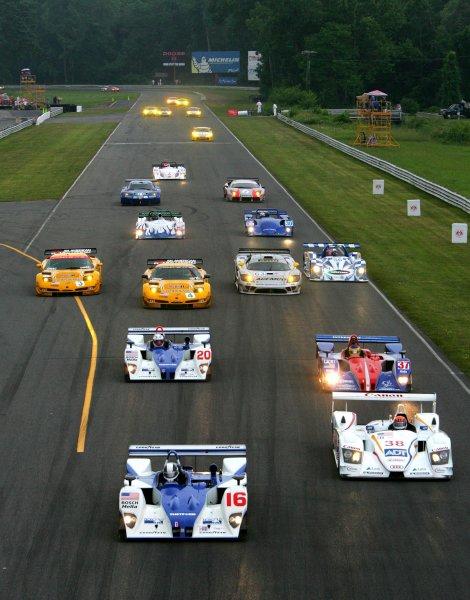 2-5 July 2004, Lime Rock, CT, USAStart of Race, Weaver in front of Lehto.Copyright 2004, Richard Dole, USALAT PHOTOGRAPHIC