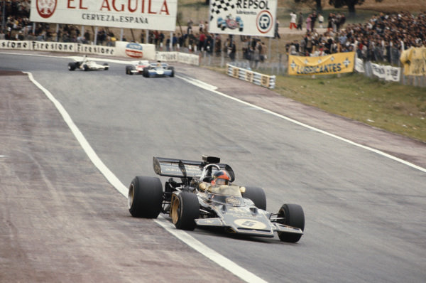 1972 Spanish Grand Prix.  Jarama, Spain. 29th April - 1st May 1972.  Emerson Fittipaldi, Lotus 72D Ford, 1st position.  Ref: 72ESP08. World Copyright: LAT Photographic